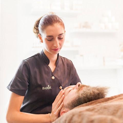 Huidverbetering en gezichtsbehandeling